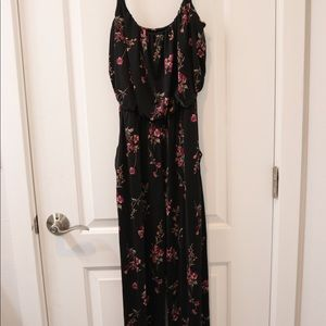 Kaileigh floral black jumpsuit size XS